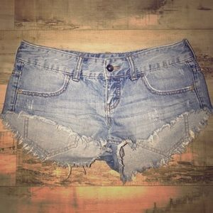 Billabong cutt off denim jean shorts